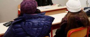Rientro col gelo in alcune scuole in Calabria: riscaldamenti guasti, in classe con cappotti e sciarpe