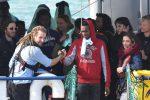 """Migranti della Sea Watch a Messina, De Luca: """"Città meno adatta ad ospitarli, spero restino poco"""""""