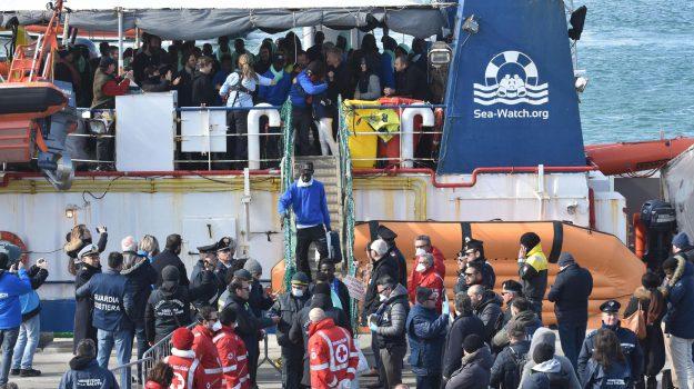 inchiesta su sea watch, nave sea watch migranti, sbarco catania, Carmelo Zuccaro, Sicilia, Cronaca