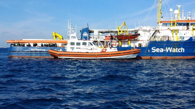 migranti sea watch a messina, Sicilia, Cronaca