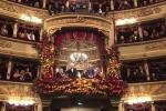 Teatro alla Scala, il lungo applauso al Presidente Mattarella per l'inaugurazione della stagione d'opera
