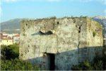 Crolla la torre del XV secolo nel centro storico di Torrenova