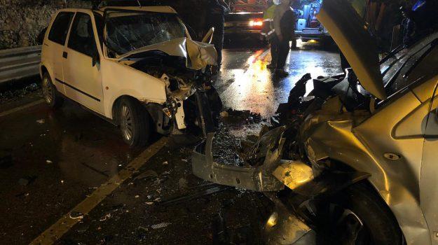 incidente 3 feriti, strada statale 113, torrenova, Messina, Sicilia, Cronaca