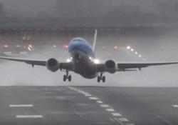 Piloti in difficoltà all'aeroporto inglese di Newcastle