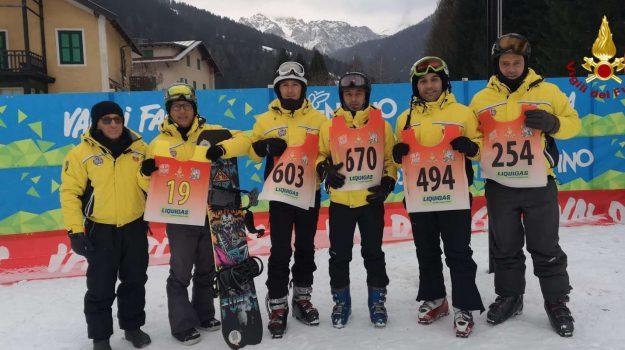 Vigili del fuoco, il gruppo di Crotone al campionato italiano di sci