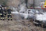 I vigili del fuoco intervenuti per domare le fiamme