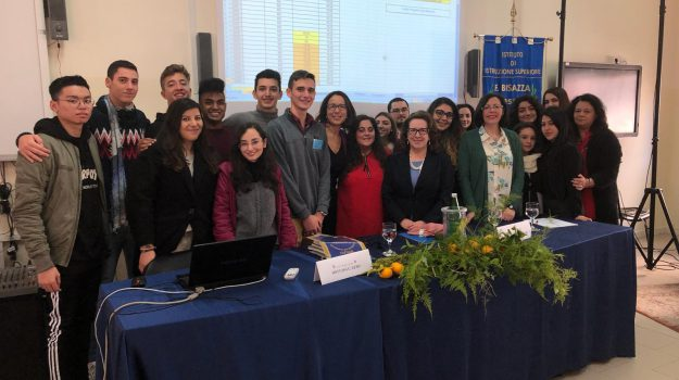 """Messina, """"quota giovane"""" contro l'astensionismo: la proposta degli alunni del liceo Bisazza"""