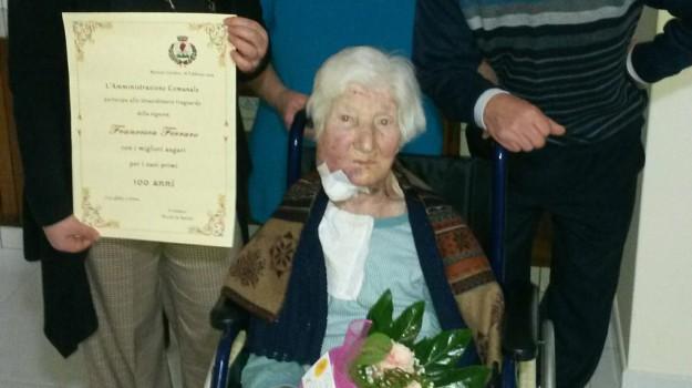 compleanno 100 anni, morano calabro, nonna centenaria, Francesca Ferraro, Cosenza, Calabria, Società
