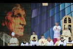 Vatican: Cardinal Newman to become saint