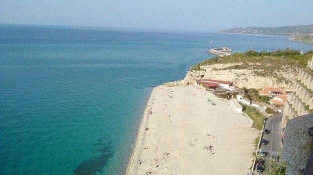abusivismo commerciale, spiagge sicure, Sicilia, Economia