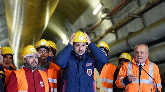 divise, matteo salvini, polemiche, Matteo Salvini, Sicilia, Politica