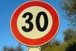 Sicurezza stradale, dossi e limiti di velocità sulla Statale 114 di Taormina