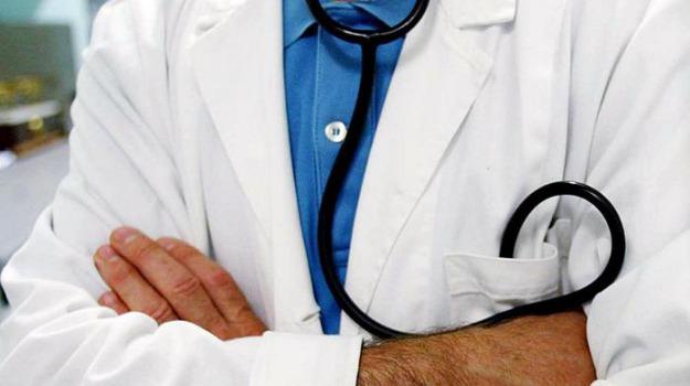 asp trapani, lavoro sanità, medici, ortopedici, pediatri, radiologi, Sicilia, Economia