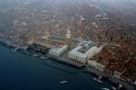 Il governatore del Veneto: più legalità nelle spiagge significa più turisti
