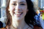 Balla sulle note del tormentone di papà Eros: Aurora Ramazzotti lancia sfida sui social