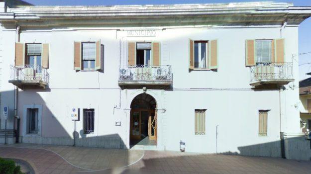 cittanova, danni auto vicesindaco, intimidazione Cittanova, Anselmo La Delfa, Reggio, Calabria, Cronaca