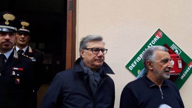 defibrillatore messina, Renato Accorinti, Messina, Sicilia, Cronaca