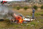 Bruciava rifiuti speciali vicino al Crati, deferito un imprenditore di Rende