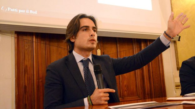 comune, regione, Giuseppe Falcomatà, Reggio, Calabria, Politica