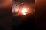 Amantea, autorimessa va a fuoco nella notte: il video dell'incendio