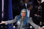 A Sanremo resiste lo stile rock: dagli abiti da gran galà al casual, tutti i look della seconda serata