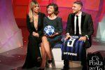 Wanda Nara e Mauro Icardi a C'è posta per te: il video della sorpresa a Serena, tifosa dell'Inter