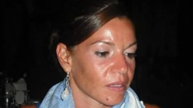 avvocatessa morta crotone, inchiesta avvocato precipitato dal balcone, inchiesta suicidio avvocato crotone, Mariella Tamborrino, Michele Cavallo, Catanzaro, Calabria, Cronaca