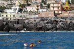 Auto inghiottita dal mare ad Acireale, si cerca Enrico su tutta la costa - Foto