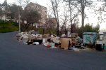 Rifiuti ingombranti abbandonati in strada a Cassano, istituito un servizio di raccolta