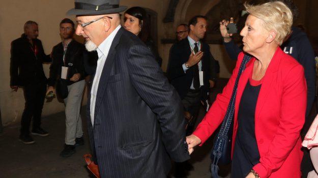bancarotta renzi, caso renzi, genitori renzi, Laura Bovoli, Matteo Renzi, Tiziano Renzi, Sicilia, Cronaca