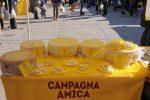 Una giornata all'insegna del pecorino a Trapani e Catania: così Coldiretti sostiene i pastori