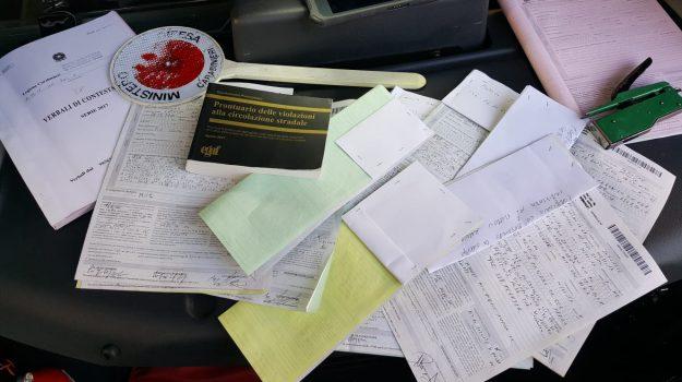 reddito di cittadinanza, Cateno De Luca, Messina, Sicilia, Cronaca
