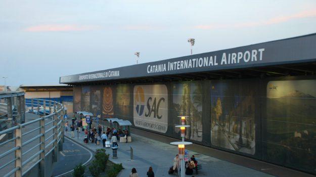 aeroporto catania, catania, minori, Sicilia, Cronaca