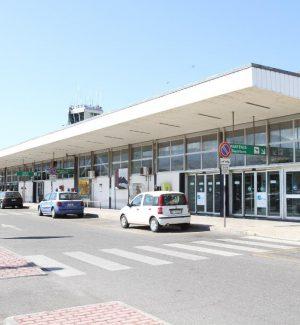 """Aeroporto di Reggio, il ministro Lezzi: """"In arrivo 25 milioni per i lavori di messa in sicurezza"""""""