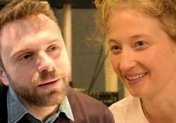Alba Rohrwacher legge Paolo Giordano«Un romanzo in cui sprofondare» L'attrice dà voce al romanzo «Divorare il cielo» nell'audiolibro pubblicato da Emons - Corriere Tv