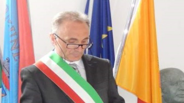 decade sindaco longi, sindaco longi, sindaco nebrodi, Antonino Fabio, Messina, Sicilia, Politica