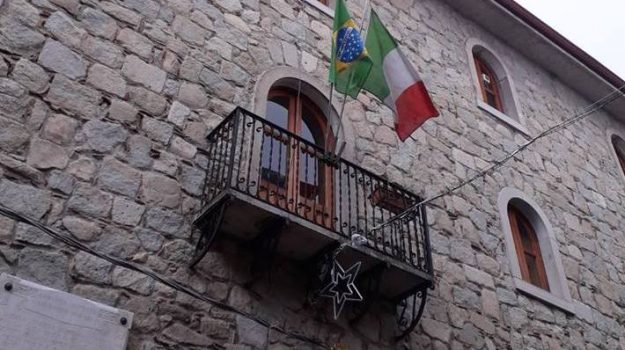 bandiera brasile floresta, Antonino Cappadona, Messina, Sicilia, Politica