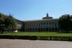 Università degli Studi di Milano, cortile interno della sede di via Festa del perdono (fonte: Stefano Stabile, Wikipedia)