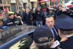 Messina, De Luca sotto assedio a Palazzo dei Leoni - Video