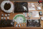 Cocaina e marijuana in casa, arrestato un uomo a Reggio