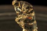 La copia in miniatura de 'Il pensatore' di August Rodin ottenuta con la nuova stampante 3D che utilizza una resina che solificia con la luce (fonte: UC Berkeley/Stephen McNally)