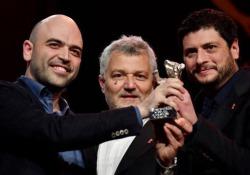 Saviano: «Premio dedicato alle ong che salvano vite nel Mediterraneo»