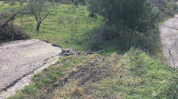 frana sant'agata di militello, frana torrente inganno, smottamento sant'agata militello, Messina, Sicilia, Cronaca