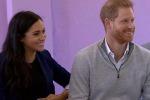 Harry scherza sulla gravidanza di Meghan: «Sei incinta? Ma è mio?»