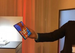 Huawei Mate X, lo smartphone pieghevole della casa cinese Al MWC2019 di Barcellona presentato il nuovo dispositivo in 5G - Corriere Tv