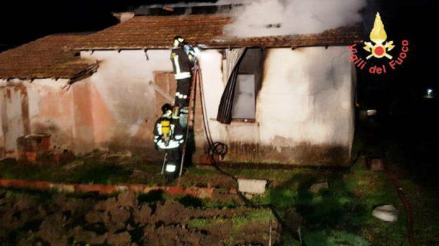 incendio belcastro, Catanzaro, Calabria, Cronaca