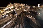 Vibo, camion diretto a Reggio si ribalta in autostrada: vivo per miracolo il conducente
