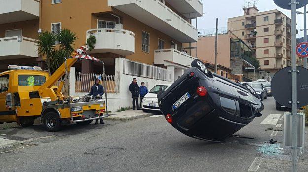 auto cappottata viale annunziata messina, incidente messina, incidente viale annunziata messina, Messina, Sicilia, Cronaca