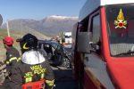 Auto travolta da un tir sulla Palermo-Catania, muore un magistrato in servizio a Enna - Le terribili immagini dalla A19