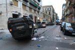 Palermo, perde il controllo dell'auto e si scontra con i mezzi in sosta: 29enne muore sul colpo